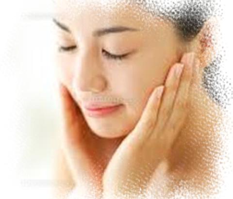 そのニキビ、マラセチア菌による毛包炎かも!菌が原因でできる、肌荒れについて知ろう