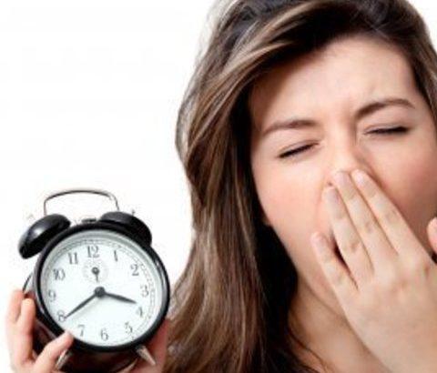 バストアップを妨げる一大原因!睡眠不足がよくないワケ