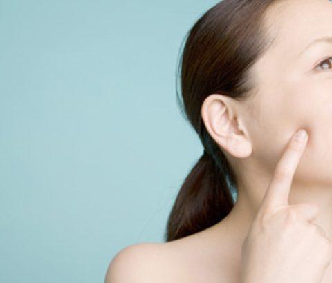 ニキビの原因ナンバーワン!過剰な皮脂をコントロールする方法