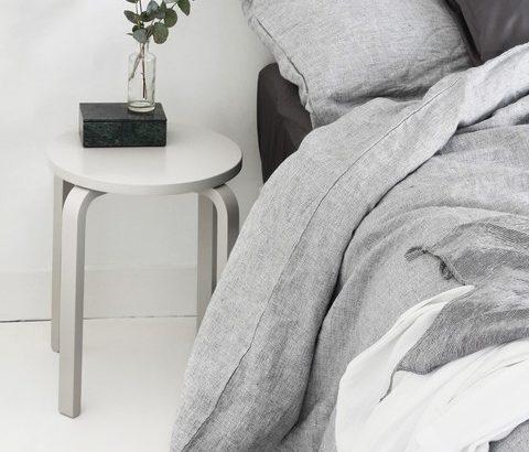 ニキビの予防はベッド周りから!清潔なシーツに毎週替えよう