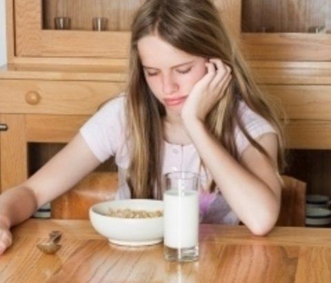 生理中の身体の症状、放っておかないで!生理中に食欲不振となる原因は?