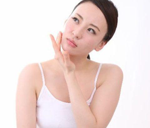 顔のテカリと汗の臭いが気になる方。もしかして最近○○を食べていませんか?