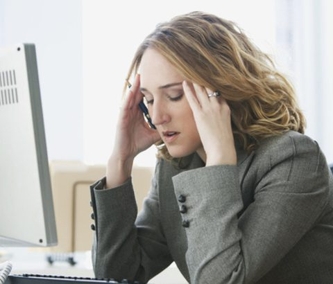 ニキビの原因=男性ホルモンの増加!その2大原因睡眠不足とストレスをなんとかする方法