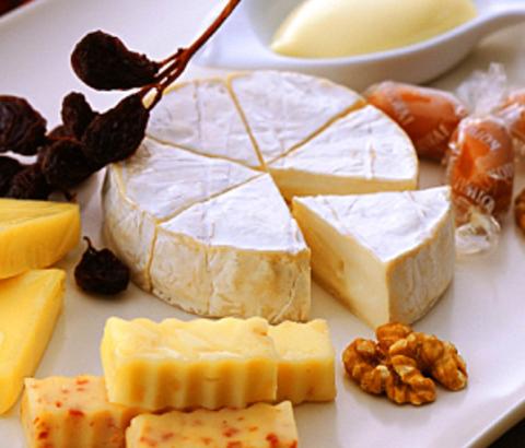 女子が大好きなチーズでバストアップ!?女子会で頼みたくなるチーズベスト3♪