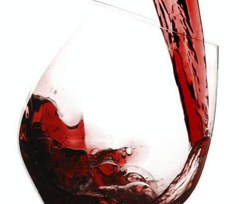 飲酒の減量でニキビ予防!夏の食生活を見直して、美肌体質へ
